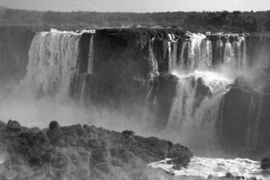 Iguacu Falls Mono